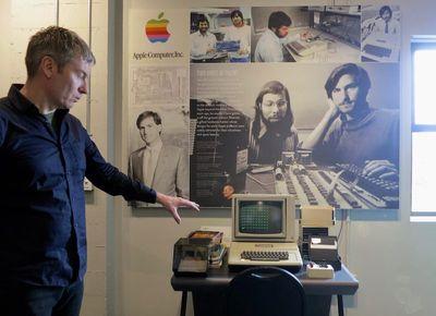apple 1 exhibit 2