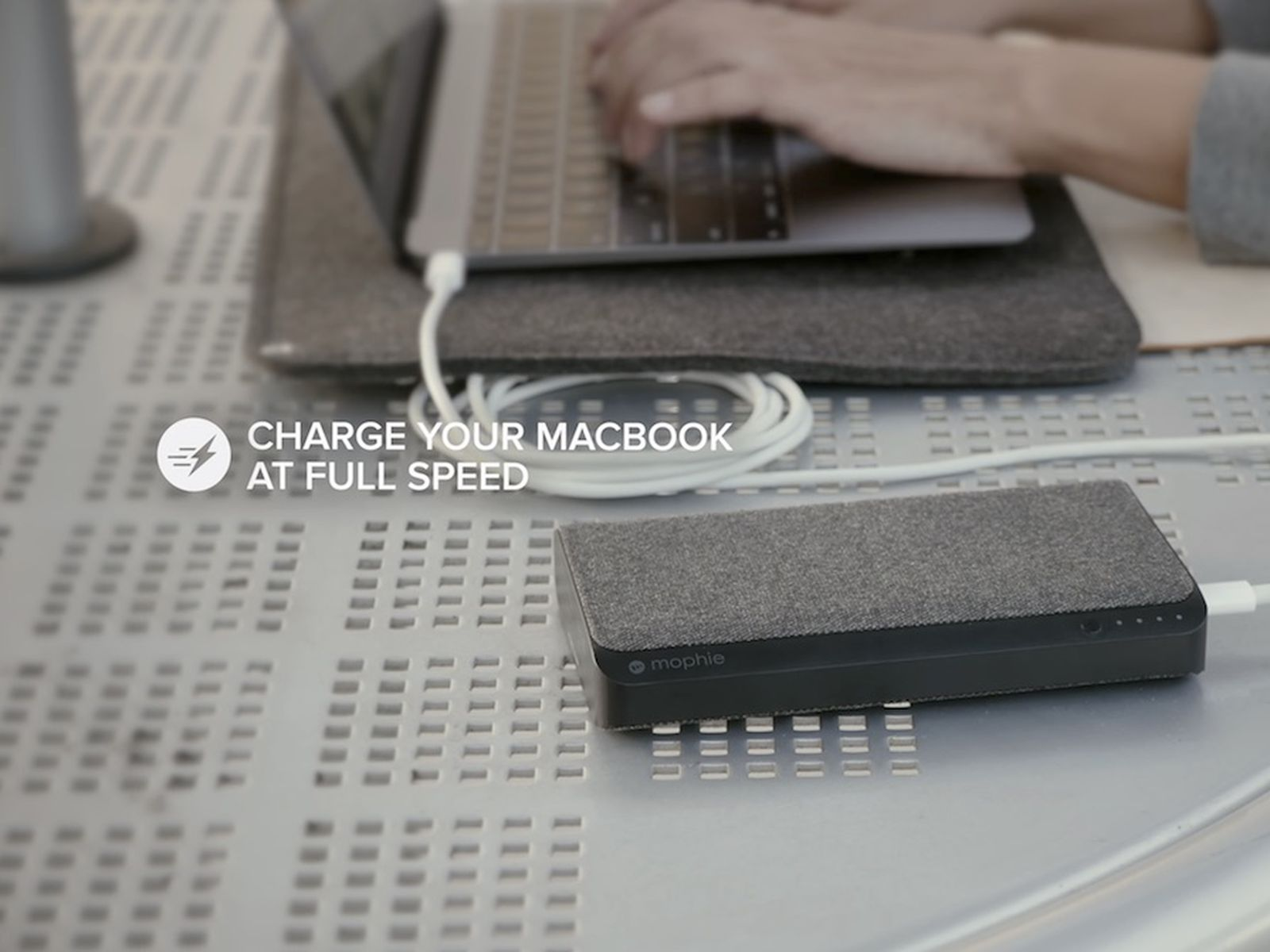Mophie Launches 150 Powerstation Usb C Xxl Aimed At New Macbooks Macrumors 377,388 likes · 182 talking about this. powerstation usb c xxl aimed
