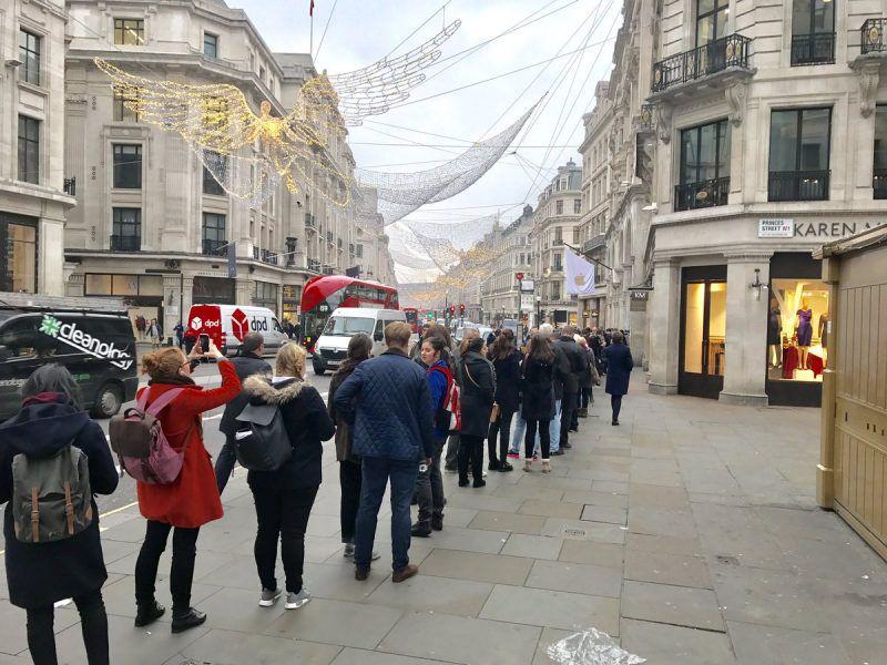 Regent Street Apple queue