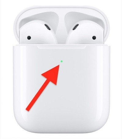 airpods wireless charging status light