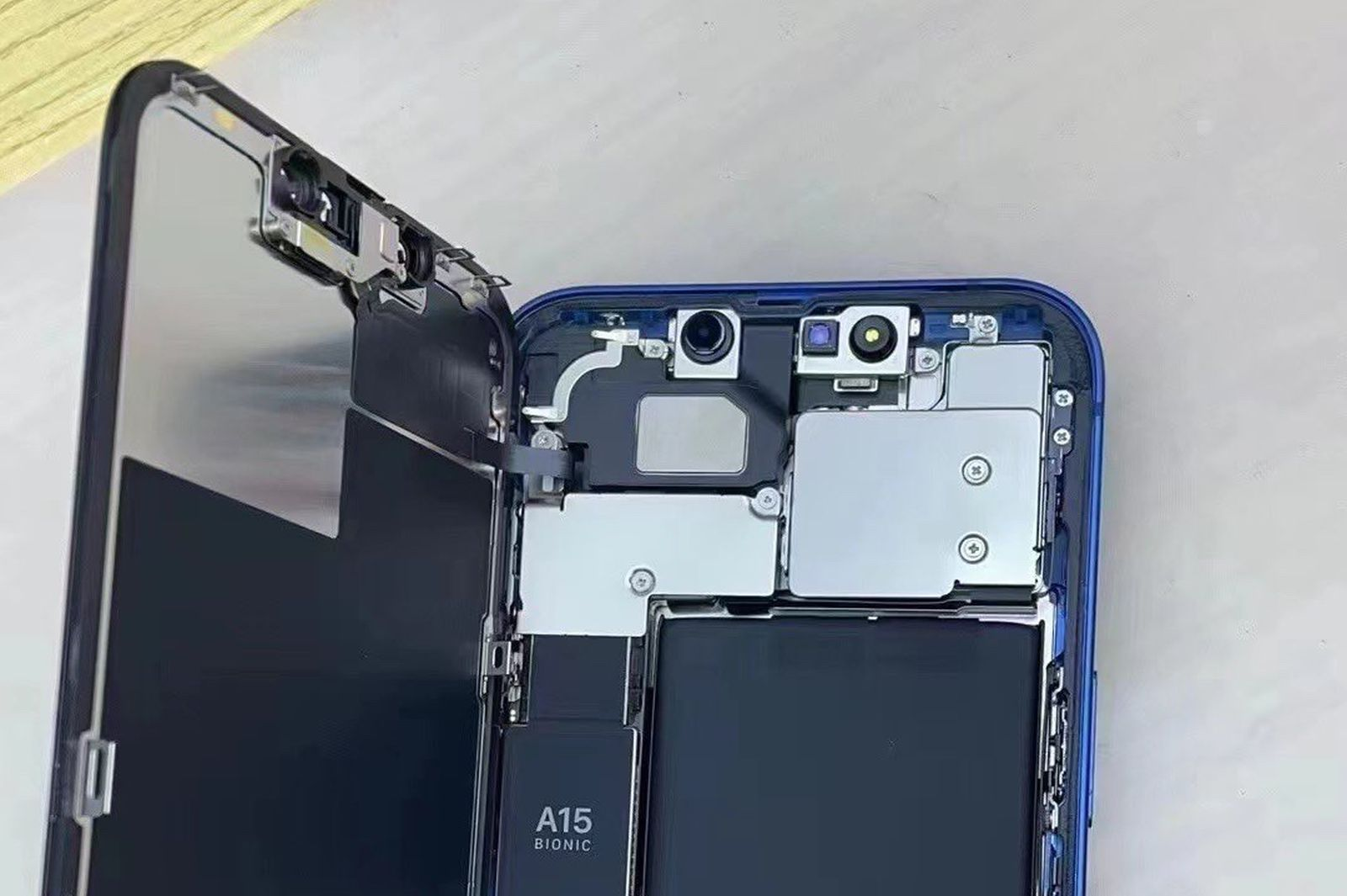 First Look Inside iPhone 13 Reveals Revamped TrueDepth System, Smaller Taptic Engine, and Larger Battery - MacRumors