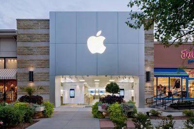 apple village pointe