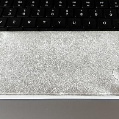 apple polishing cloth photo