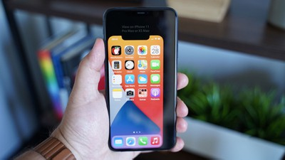 Just How Small Will the 5.4-Inch iPhone 12 Screen Be? Try It Out for Yourself