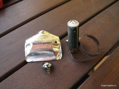093216 apple aa battery teardown 500