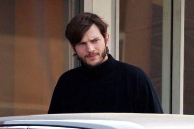 kutcher jobs wardrobe 2