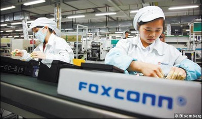 101336 foxconn workers