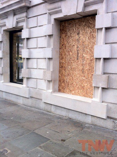 covent garden robbery boarded window