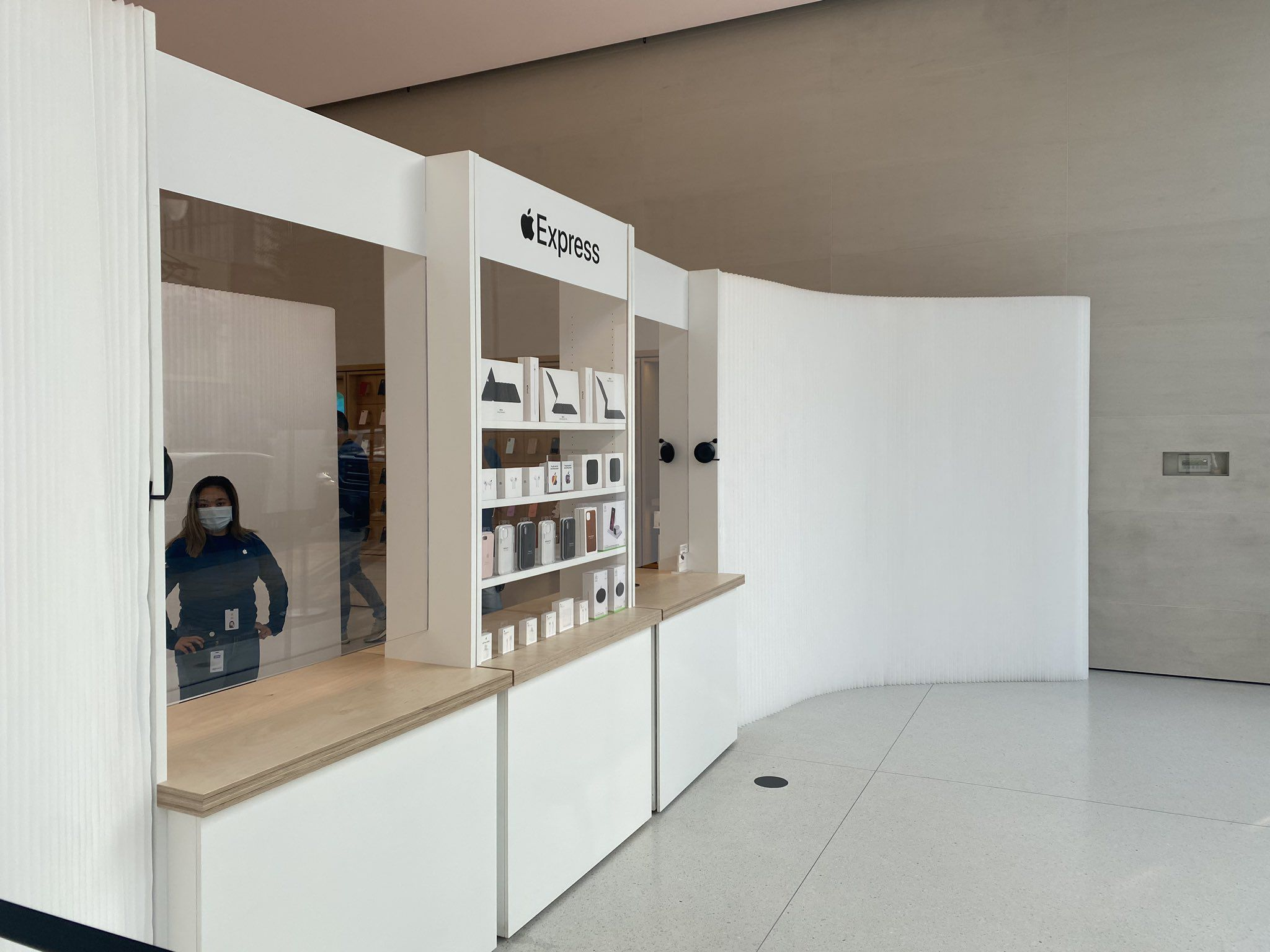 photo of Apple Expanding 'Express' Retail Store Setup That Offers Safer Purchase Options image