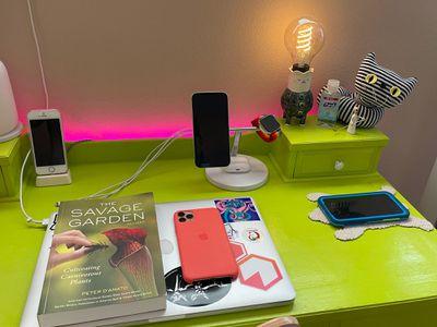 belkin charger on desk 2