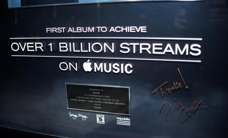 drakefirstalbum1billionstreams